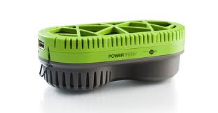 PowerPukk, il caricabatterie per cellulari a idrogeno