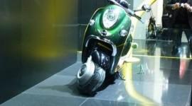 Tra auto ibride e biciclette, ecco il nuovo scooter elettrico di Toyota