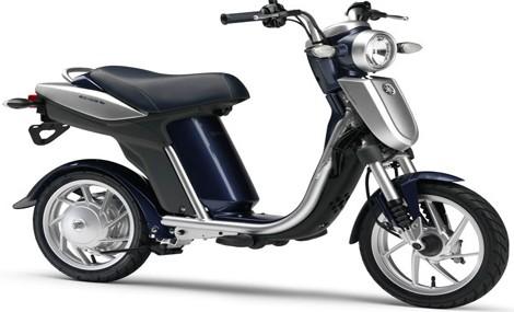 Yamaha EC-03, anche in Italia arriva lo scooter elettrico