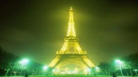 La Torre Eiffel vola alto e sogna di diventare un giardino