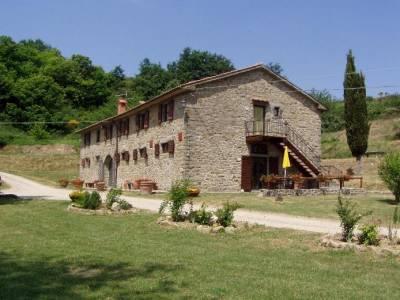 Estate in fattoria a lavorare a contatto con la natura for Porte francesi della fattoria