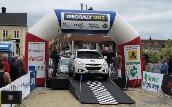 Hyundai ix35 Fuel Cell protagonista allo Zero Rally 2012