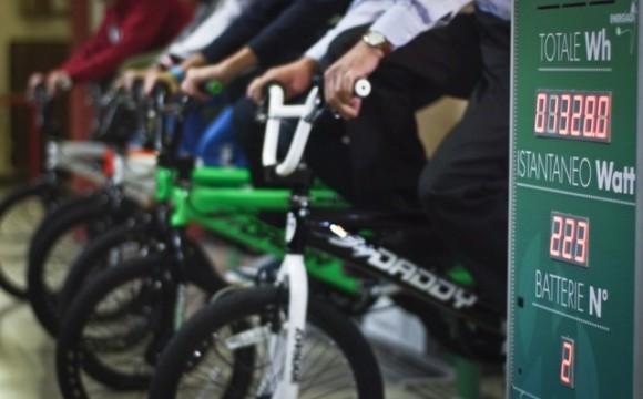 A Milano le biciclette si sfidano per l'energia pulita