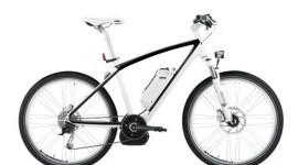 La bicicletta elettrica BMW viaggia con motore Bosch
