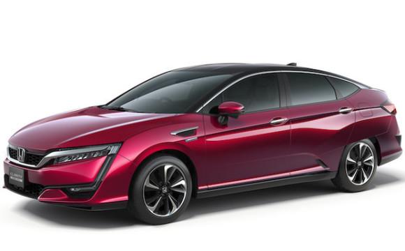 Clarity elettrica e plug-in per offensiva green Honda