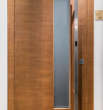 Rubner Türen Srl lancia la nuova porta SMART:  completamente sostenibile, con sblocco contact-free e apertura automatica