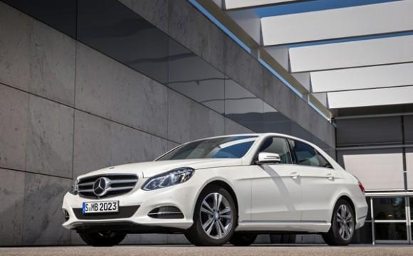 Mercedes Classe E arricchisce la sua gamma puntando alla sostenibilità ambientale