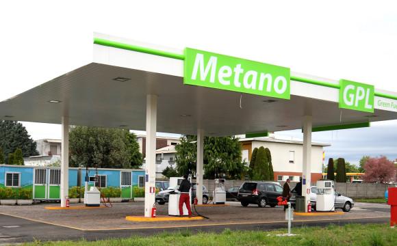 Italia record europeo per i distributori di metano, superano quota 1000