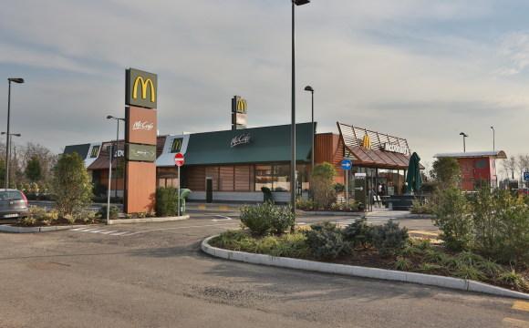 McDonald's: -53% di CO2, ristoranti al 90% riciclabili e la prima certificazione di sostenibilità CasaClima