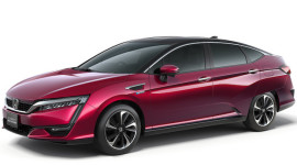 Clarity elettrica e plug-in per offensiva green Honda