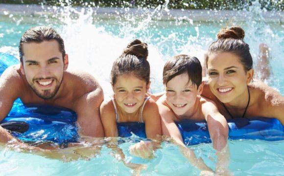 Come scegliere la piscina più adatta per il giardino