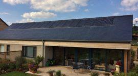 Panasonic celebra vent'anni di produzione dei pannelli solari superando il record di efficienza energetica del 23,8% per modulo